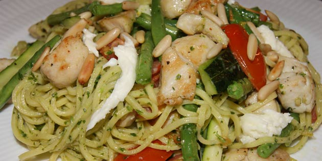 pasta med pesto og