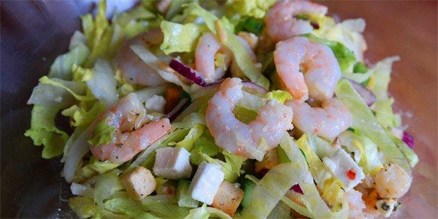 Salat Med Feta Og Rejer