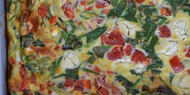 Æggekage i ovn med grøntsager