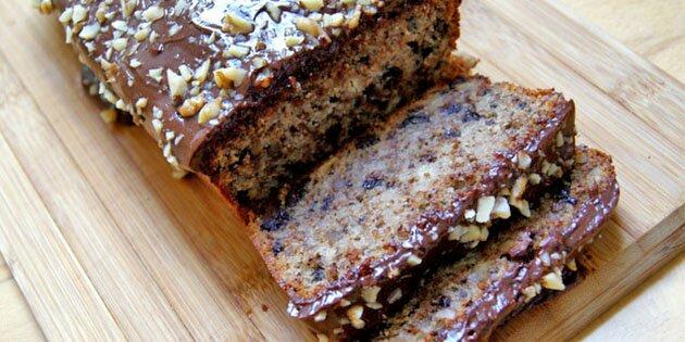 Banankage Med Chokolade Og Nødder