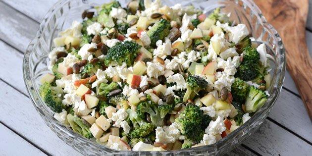Salat Med Broccoli æbler Og Feta