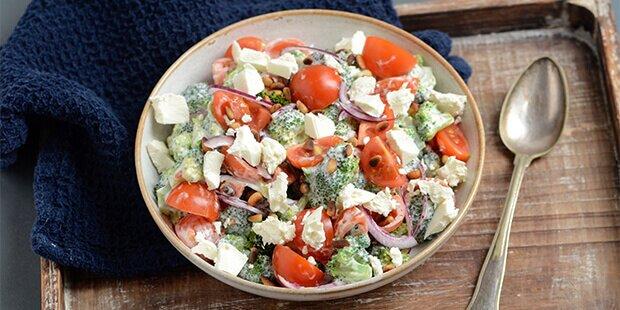broccolisalat græsk yoghurt